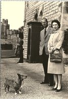 Real Photo, H.M. The Queen With The Duke Of Edinburgh At Windsor Castle - Royal Families