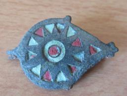 Fibule Romaine En Forme De Goutte - Type 24e - Partiellement émaillée - Avec Son Ardillon - Archaeology