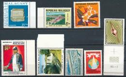 °°° LOT MADAGASCAR MIX KILOWARE MNH (8PZ) °°° - Madagascar (1960-...)