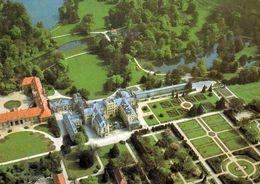 1 AK Tschechien * Das Schloss In Lednice - Teil Der 1996 In Die UNESCO Aufgenommenen Kulturlandschaft Lednice-Valtice * - Tchéquie