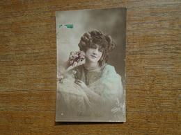 Carte De 1913 , Silhouette Ou Portrait De Femme - Silhouettes