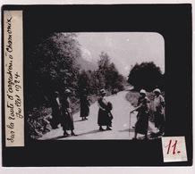Oude Glasplaat (8,5 X 10cm). .  Sur La Route D'Argentières. à Chamonix 1924 - Glasplaten