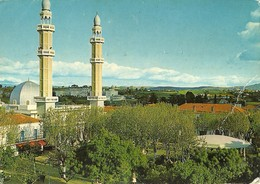 "3118 "" ALGERIE-MEDEA-PLACE EMIR ABDELKADER ET MOSQUEE""  CART. POST. ORIG. SPED.1976 - Medea"