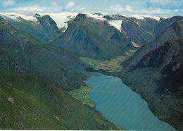 1 AK Norwegen * Blick Auf Den Kleinen Ort Fjærland Im Sognefjord * - Norwegen
