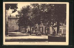 CPA Rovon-St-Gervais, La Place Et La Mairie - Francia