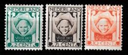 1924 Kind NVPH 141-143 -  Ongestempeld Met Plakker, Hinged - Ongebruikt