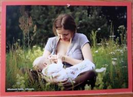 FEMME BEBE AU SEIN ALLAITEMENT LITHUANIA PHOTO MIKALANSKI FAMILY BREASTFEEDING MATERNITE SEINS NUS TETEE - Ethniques, Cultures