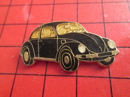 811j Pin's Pins / Belle Qualité Et Rare / THEME AUTOMOBILES : VW VOLKSWAGEN NOIRE ET OR LEGER RELIEF - Volkswagen