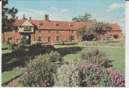 Postcard - Hales Hall - Loddon, Norfolk - Unused Very Good - Cartes Postales