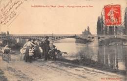 SAINT PIERRE DU VAUVRAY - Paysage Animé Près Le Pont - Francia