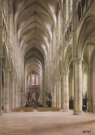 02 Soissons Intérieur De La Cathédrale Saint Gervais Et Saint Palais (2 Scans) - Soissons