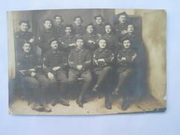 12e BATAILLON CHASSEUR ALPINS - Carte Photo , Située Et Datée ; Embrun 5 Février 1914 , - Régiments