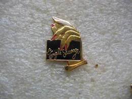 """Pin's De L'institut De Beauté  """"l'ongle Sauvage"""" à Mulhouse - Pin's"""