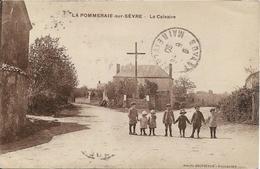LA POMMERAIE SUR SEVRE Le Calvaire - France