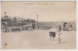 CPA Arcachon - La Jetée-Promenade De La Chapelle (avec Jolie Animation) - Arcachon