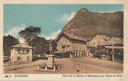 I104 - 74 - TANINGES - Haute-Savoie - Place De La Mairie Et Monument Aux Morts De 1870 - Taninges