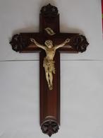 Grand Crucifix Christ En Croix à Accrocher. Bois Sculpté, Ivoire (?). Hauteur 45 Cm.16. - Religion &  Esoterik