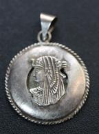 """Très Beau Pendentif Motif égyptien Argent """"Pharaon"""" Sterling Medal - Pendentifs"""