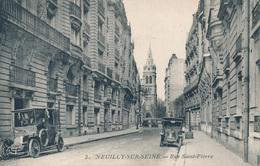 92) NEUILLY-SUR-SEINE : Rue Saint-Pierre - Taxi Renault - Neuilly Sur Seine