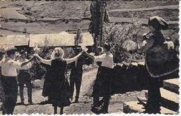 45 POSTAL DE ANDORRA DE SARDANISTAS EN EL CANILLO - Andorra