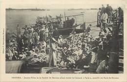 Pays Div-ref T114- Turquie - Mersina -societe De Mersina Allant Visiter Le Cuirassé Paris -marine De Guerre -bateaux - - Turchia