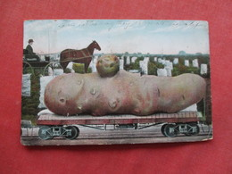 Fantasy  Large Potato On Train Car >   Ref 3259 - Trains