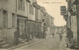 Dép 44 - Militaria - Militaires - Ancenis - Rue De La Gare - A Droite Au Vieux Chêne Meubles Literie - état - Ancenis