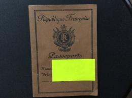 PASSEPORT RÉPUBLIQUE FRANÇAISE  Année 1948 - Documents Historiques
