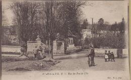 L'Etang-la-Ville : Rue Du Pré-de-l'Ile - Frankreich