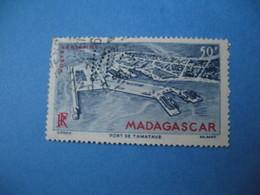 Perforé  Perfin  Madagascar,   Perforation :   CN2   à Voir - Autres