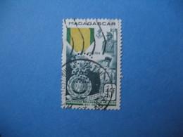 Perforé  Perfin  Madagascar,   Perforation :   CN2   à Voir - Levant (1885-1946)