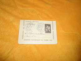 CARTE LETTRE JOURNEE NATIONALE DU TIMBRE 1943...FEDERATION DES SOCIETES PHILATELIQUES FR...CACHETS + TIMBRE - Poststempel (Briefe)