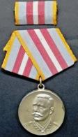 O426 CUBA MILITAR MEDAL MEDALLA ANTONIO MACEO. - Medailles & Militaire Decoraties