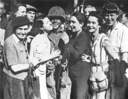 PHOTOGRAPHIE HISTOIRES VECUES DE LA RESISTANCE GUERRE 39-45 FORMAT  23X17CM - Reproductions