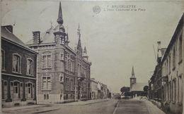 Brugelette L'Hotel Communal Et La Place - Brugelette