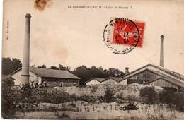 La Rochefoucauld 1910 Charente - Usine De Péruzet - édit Vve Besson - !!! Tâche Près De La Cheminée - Autres Communes