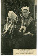 CPA - Carte Postale - Folklore - Etude De Coiffes De Plougastel (M8038) - Costumes