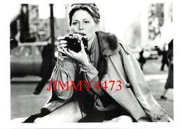 CPM - Faye DUNAWAY - Les Yeux De Laura Mars - Edit. Hazan Paris 1991 - Scans Recto-Verso - Artisti
