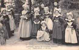 29 - Pont-Aven - Coutumes - Moeurs - Costumes Bretons - Une Bien Belle Famille - Trachten