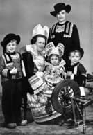 29 - Pont-Aven - Beau Cliché D'Enfants En Costumes - Une Bien Belle Famille - Trachten