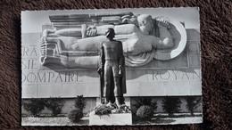 CPSM DOMPAIRE VOSGES MONUMENT ELEVE A LAMEREY A LA MEMOIRE DU GENRAL LECLERC DE LA 2 E D B EN SOUVENIR DE LA LIBERTAION - Dompaire