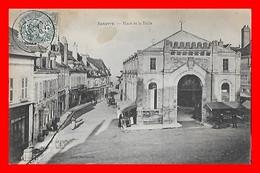CPA (18) SANCERRE.  Place De La Halle, Animé, Café, Pub Picon...B469 - Sancerre
