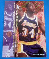 GEORGE LYNCH  CARDS NBA FLEER 1996 N 302 - Trading Cards