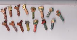 PINS  ~~  LOT  15 X PEZ - Pin's & Anstecknadeln
