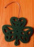 Clover - Symbol Of Ireland  Wood, Plastic. 10 X 9 Cm - Flowers & Plants