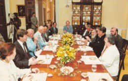 US President Reagan Meets With Soviet Dissidents In White House 1982, C1980s Vintage Postcard - People