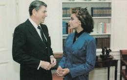 US President Reagan Meets Vanessa Williams 1983 Miss America, C1980s Vintage Postcard - People