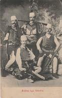 Albanie : Kujtim Nga Shkodra : Militaria - Militaires Albanais Avec Armes - Albanien