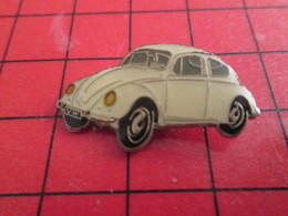 918c Pin's Pins / De Belle Qualité Et Rare / THEME AUTOMOBILE : VW VOLKSWAGEN COCCINELLE BLANCHE - Volkswagen