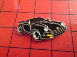1318A Pin's Pins / De Belle Qualité Et Rare / THEME AUTOMOBILES : PORSCHE 911 CABRIOLET NOIR - Porsche